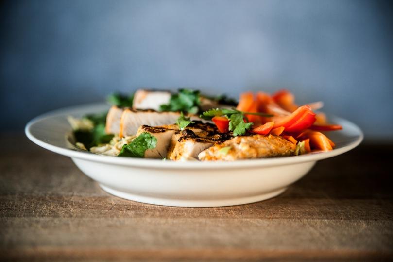 satay-svinekod-peanutbutter-salat